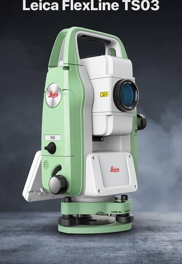 دوربین نقشه برداری توتال استیشن لایکا TS03